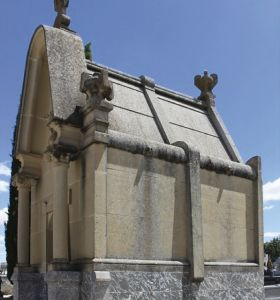 c_280_300_16777215_00_images_fotos_colaboraciones_cementerio2.jpg