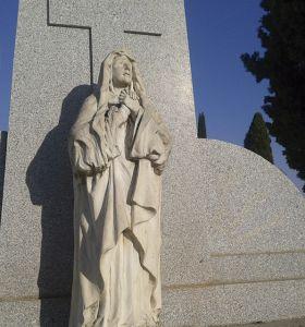 c_280_300_16777215_00_images_fotos_colaboraciones_cementerio7.jpg